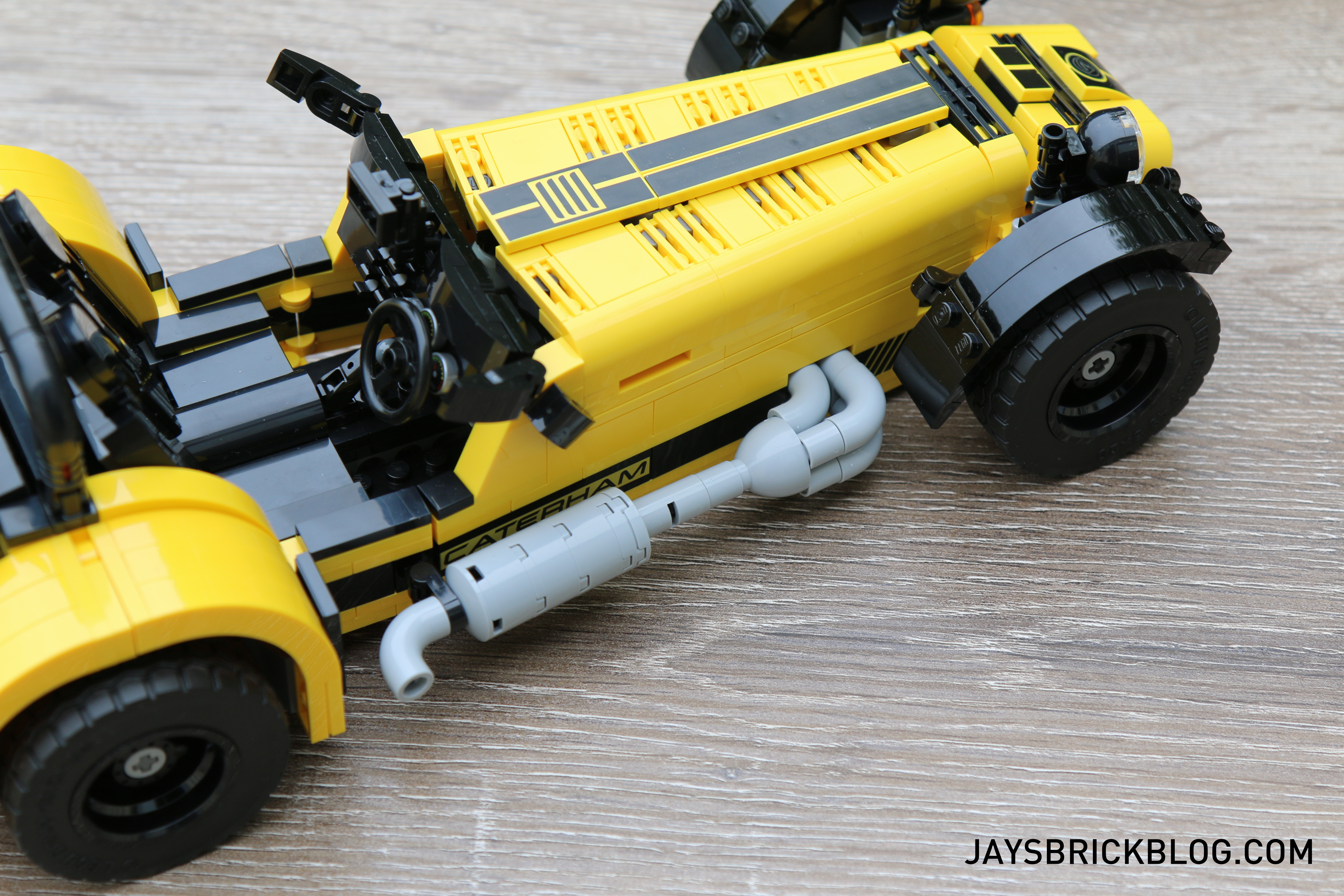 lego-21307-caterham-seven-exhaust