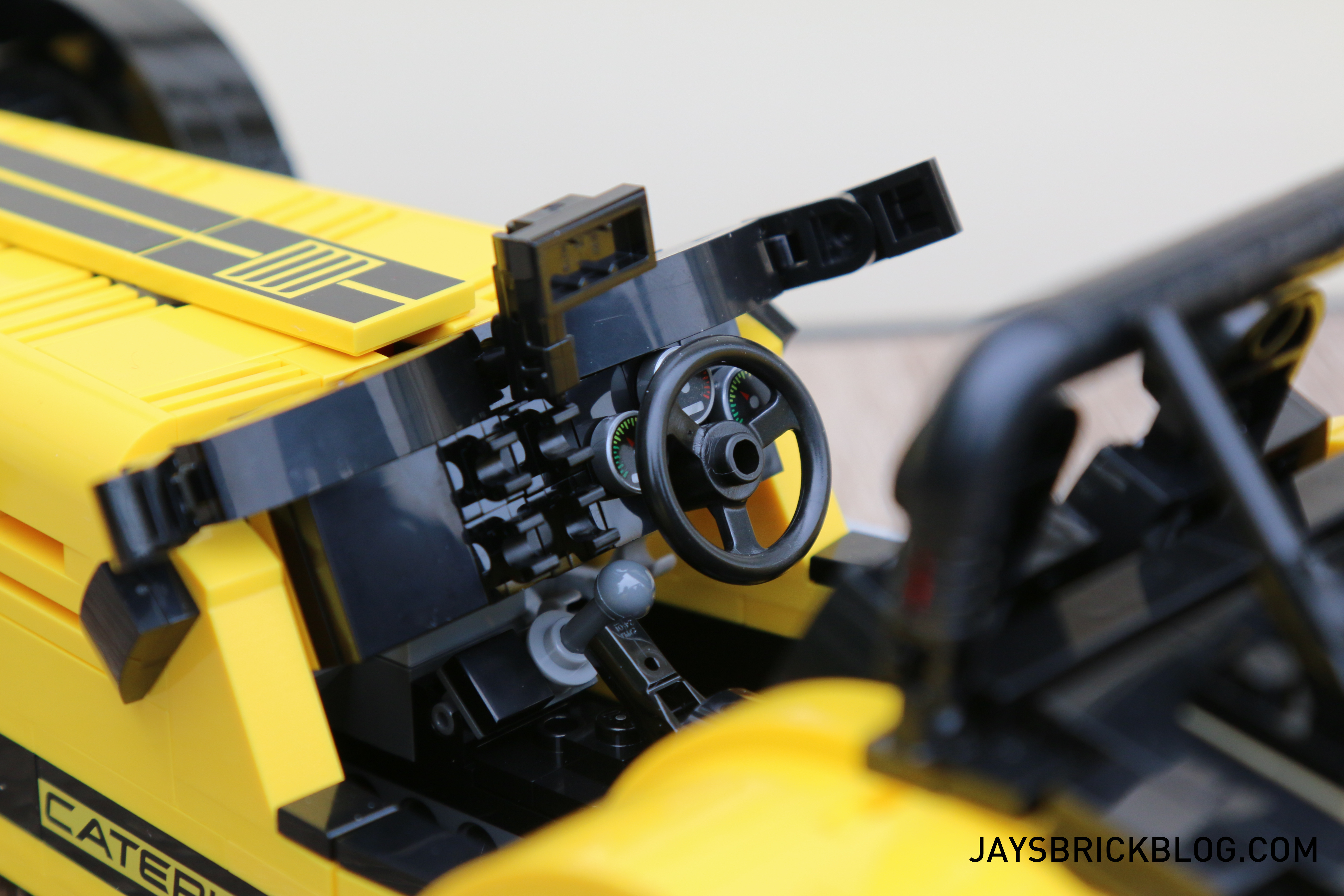 lego-21307-caterham-seven-steering-wheel