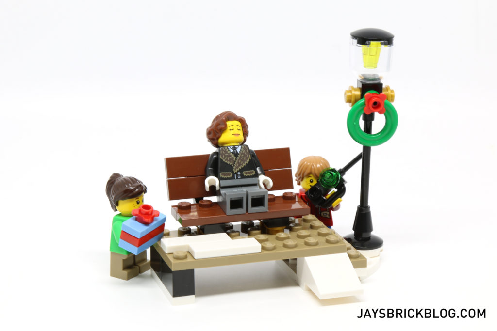 lego-10254-winter-holiday-train-bench