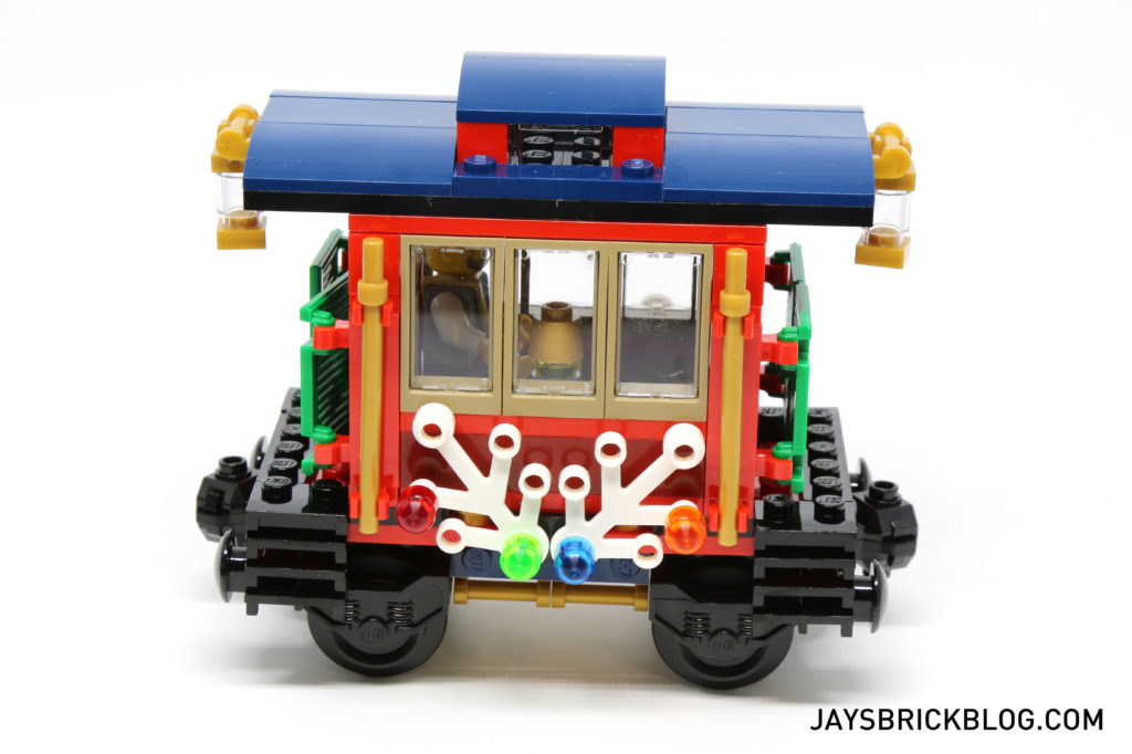 lego-10254-winter-holiday-train-caboose
