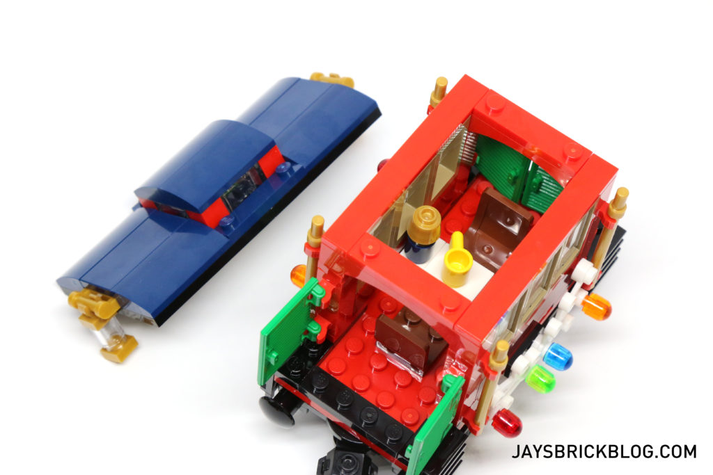 lego-10254-winter-holiday-train-caboose-interior