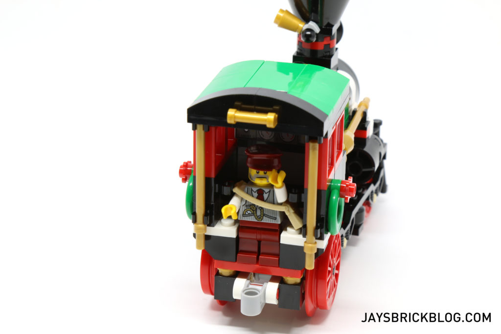 lego-10254-winter-holiday-train-locomotive-interior