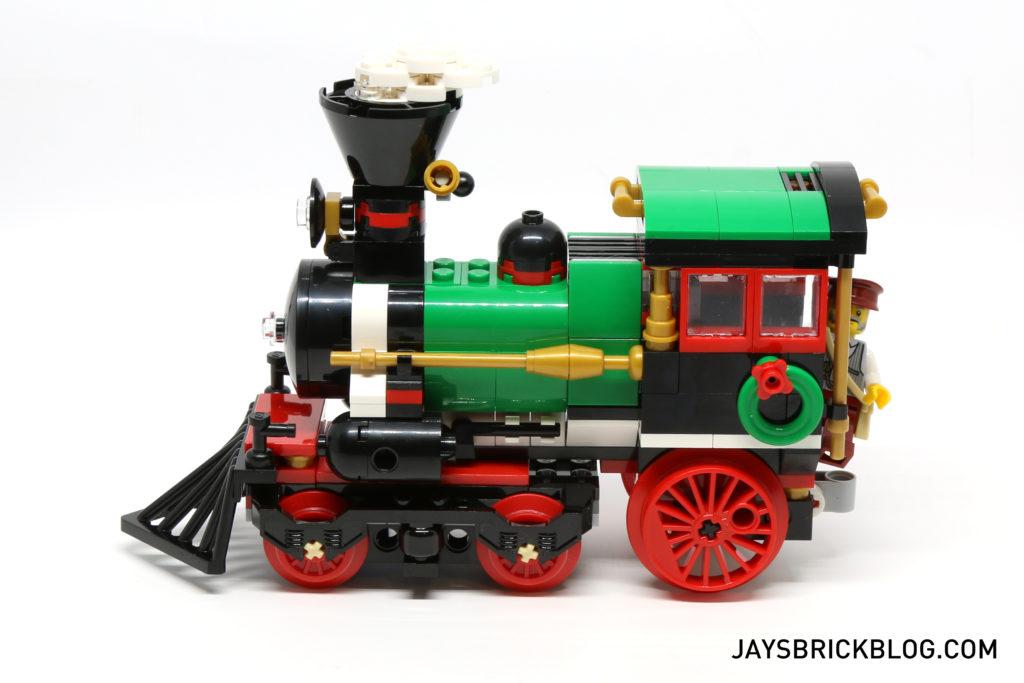 lego-10254-winter-holiday-train-locomotive-side
