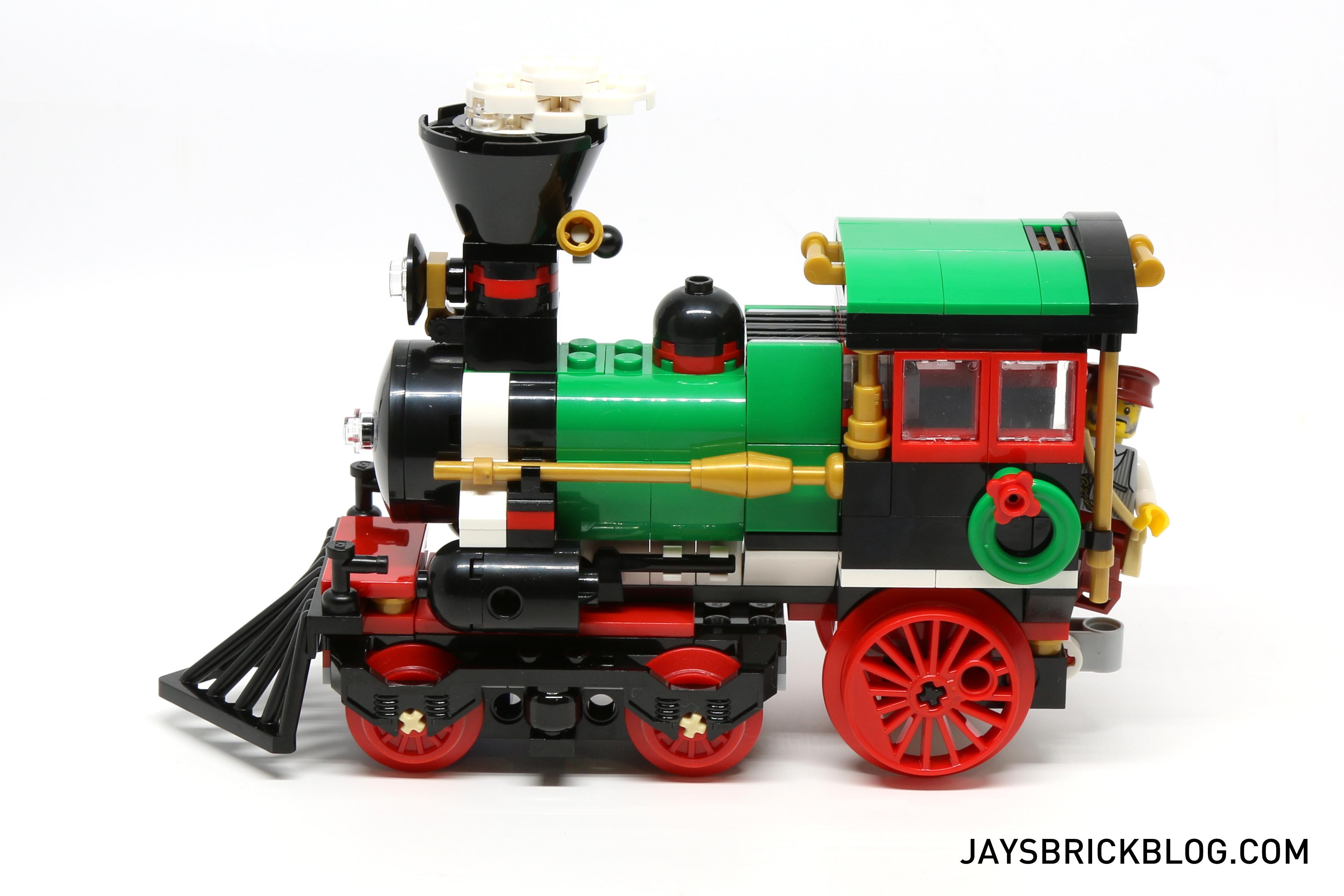 BLUE HOLIDAY MINI TRAIN ENGINE ORNAMENT****** ******NEW LEGO CHRISTMAS