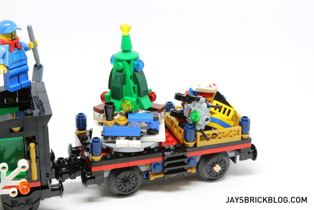 lego-10254-winter-holiday-train-presents-car