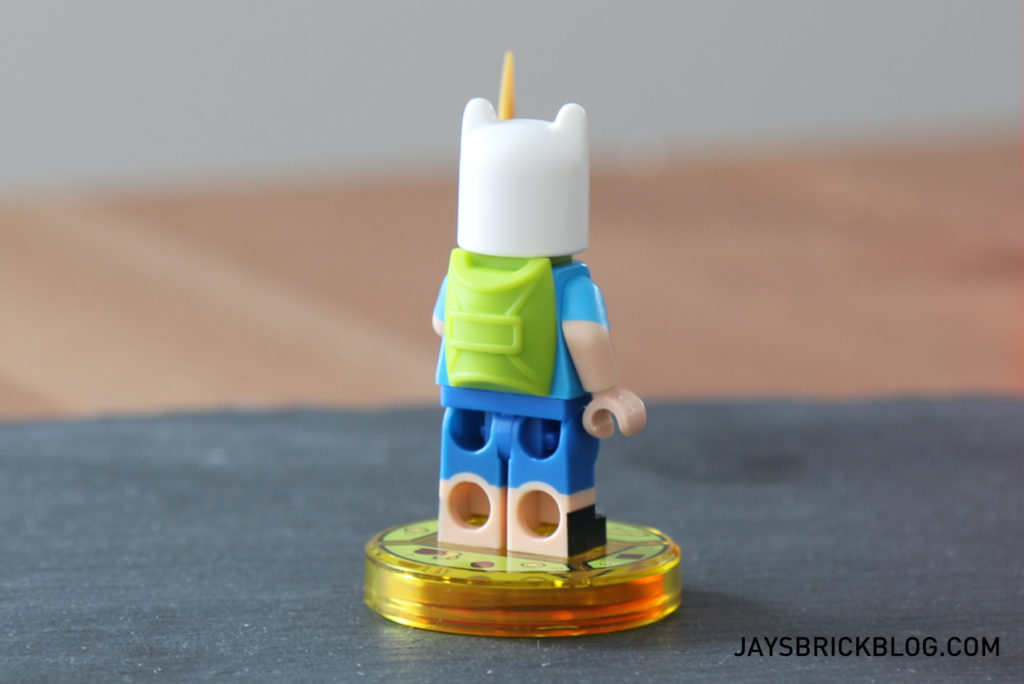 lego-71245-adventure-time-finn-minifigure-back