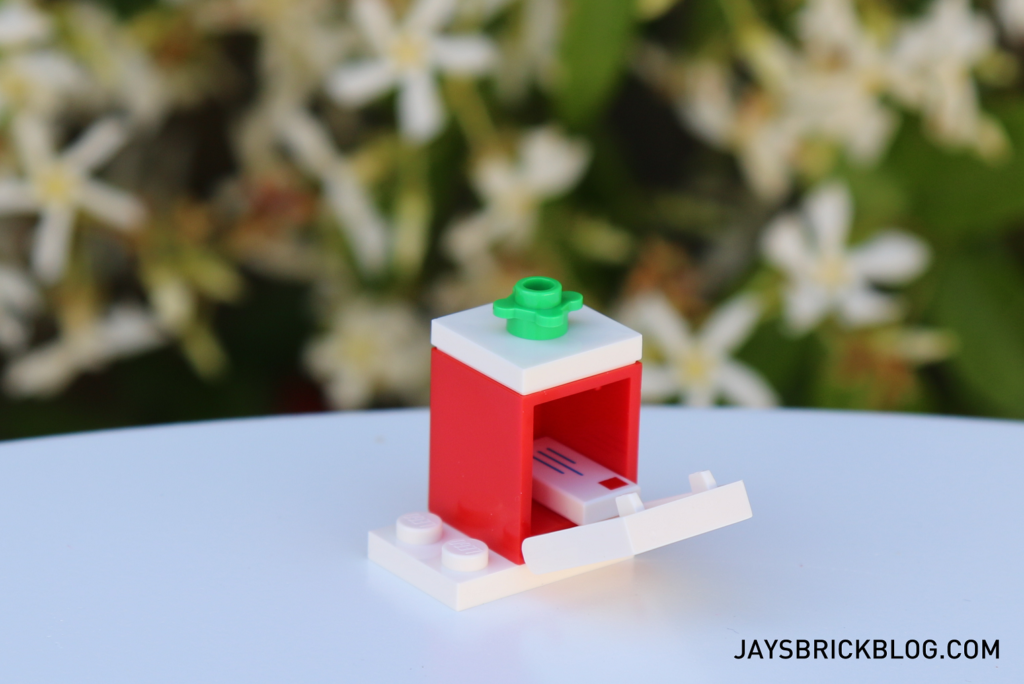 lego-friends-advent-calendar-2016-day-3-mailbox
