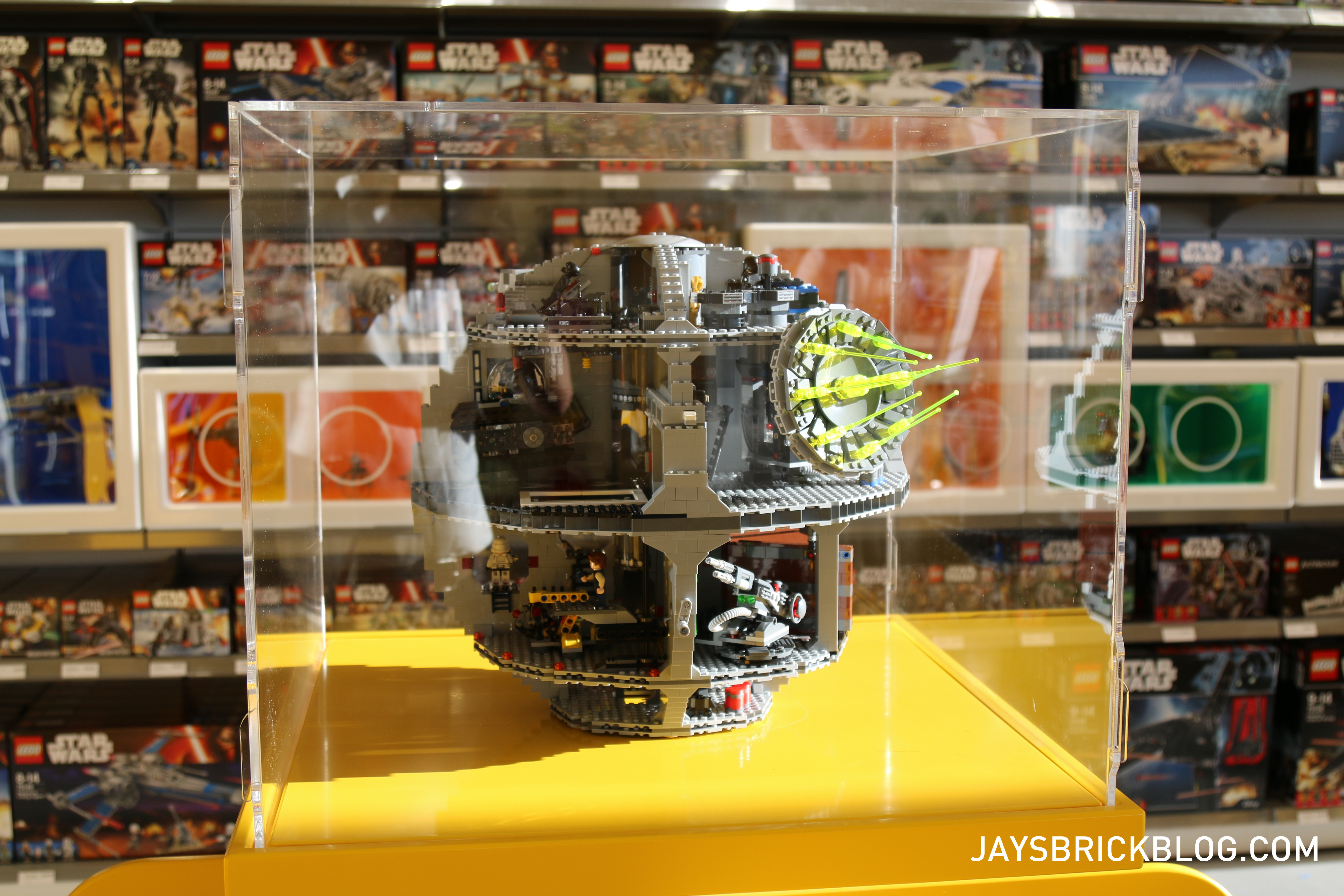 Dreamworld lego store preview and opening day promo details for Lago shop online