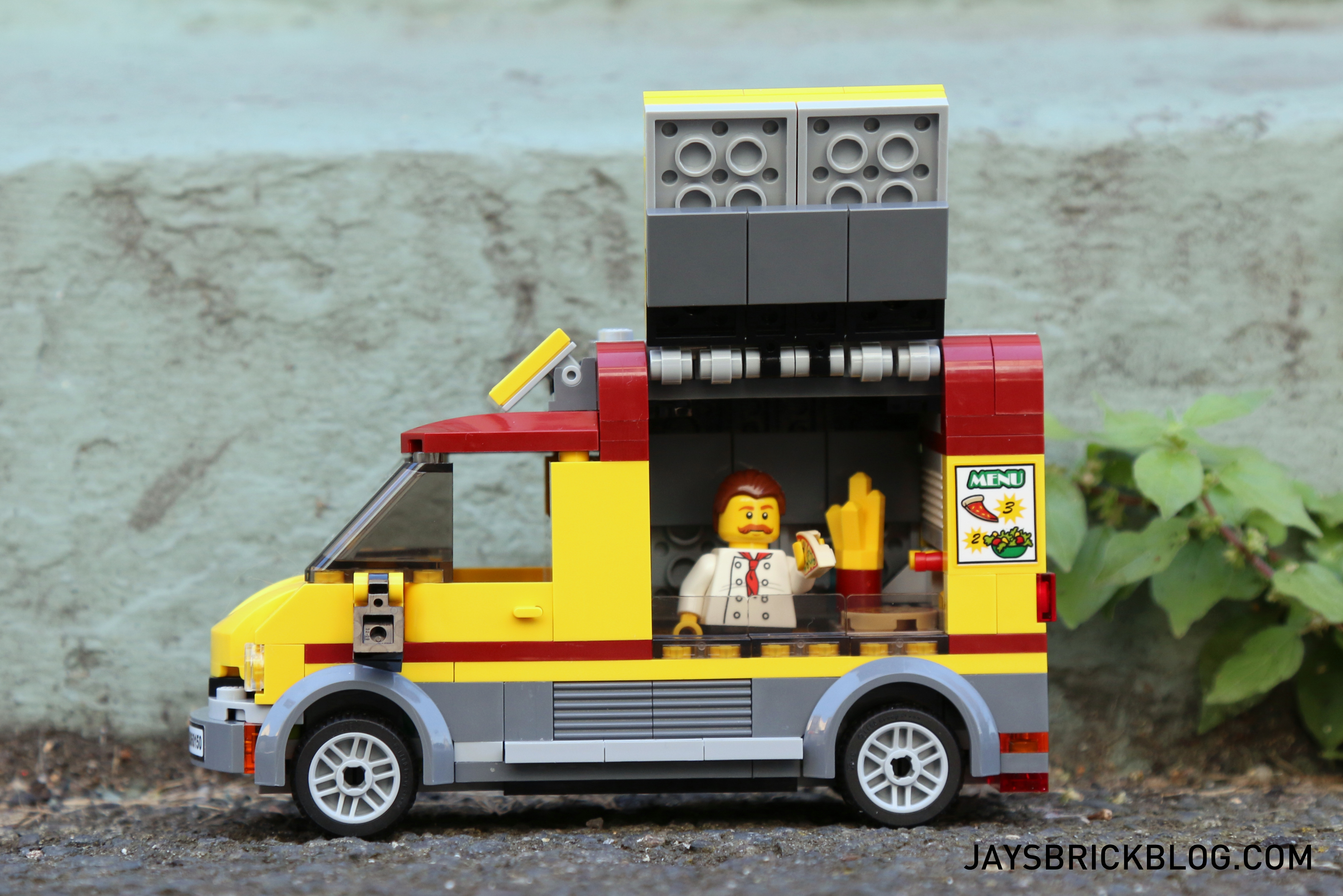 Review lego 60150 pizza van for Brick city motors reviews