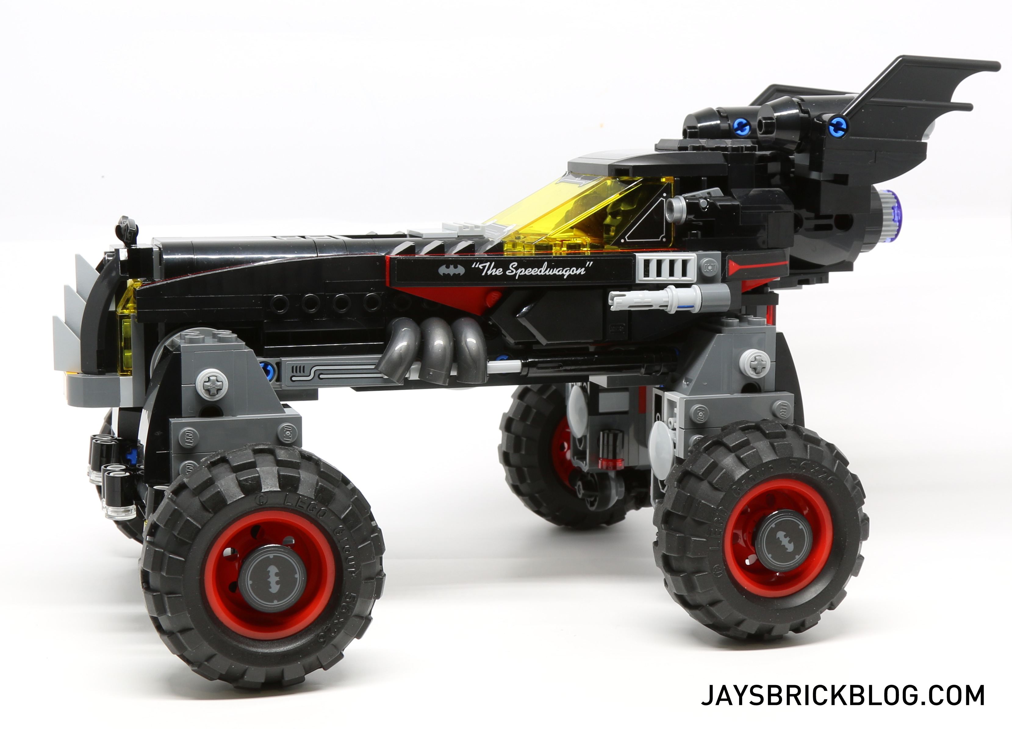 review lego 70905 the batmobile jay 39 s brick blog. Black Bedroom Furniture Sets. Home Design Ideas