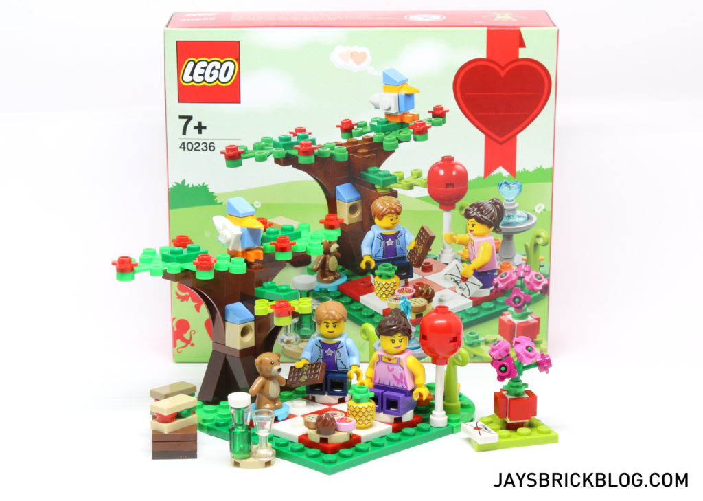 Review: 40236 Romantic Valentine Picnic