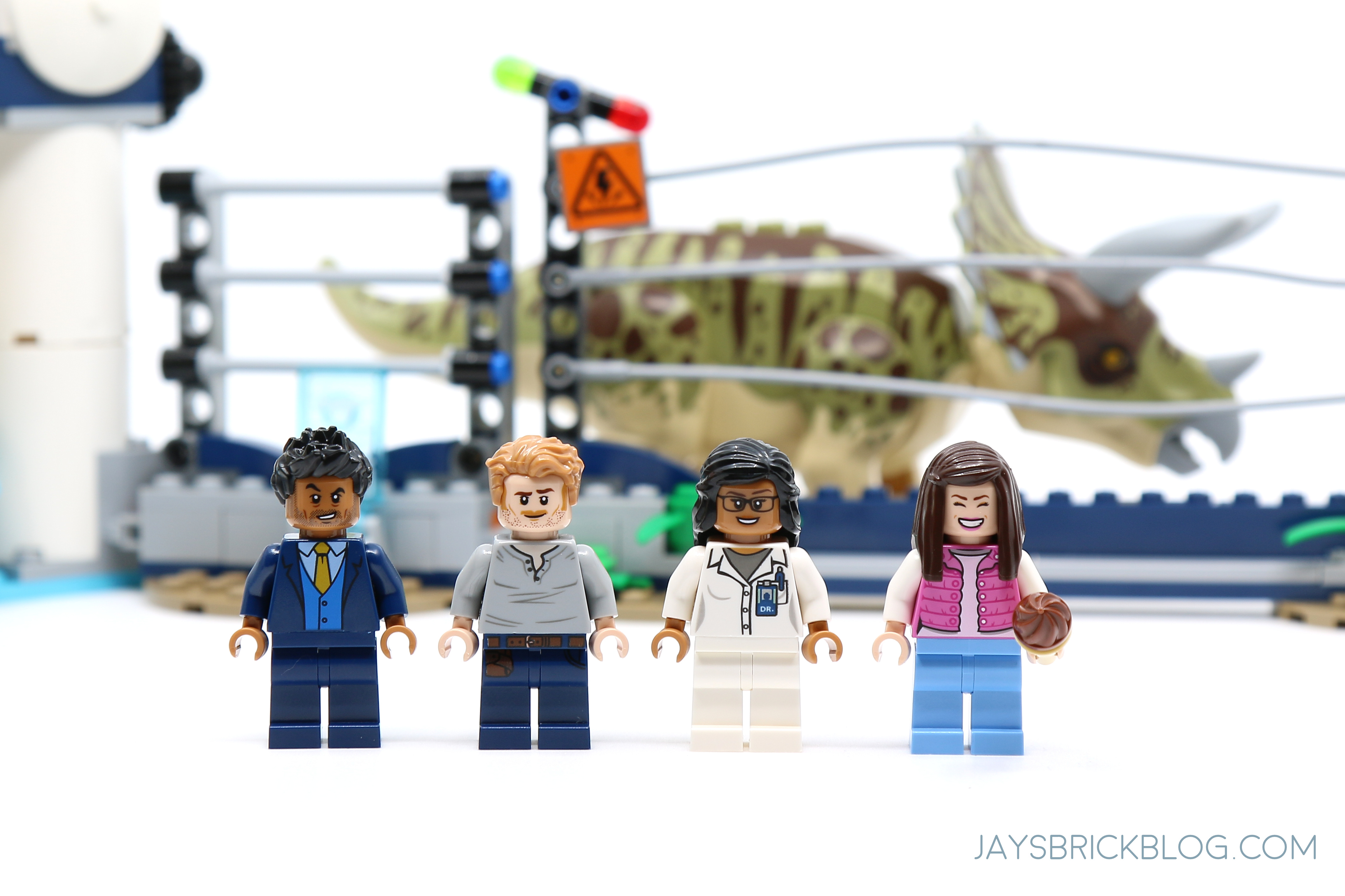 Lego 75937 Jurassic World Tourist Minifigure