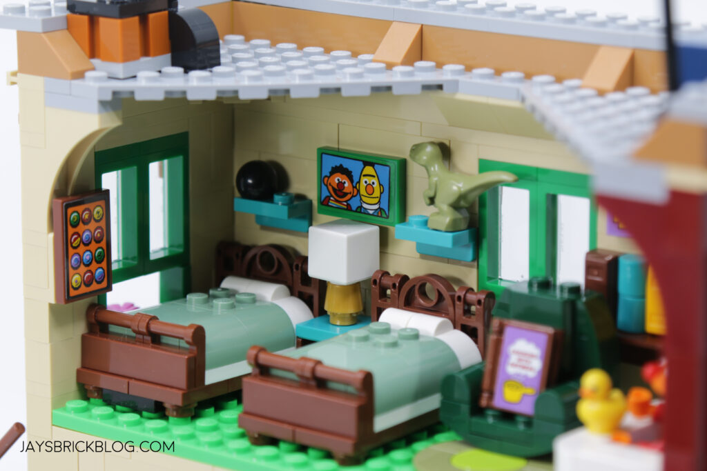 LEGO Sesame Street Bert and Ernie's Beds