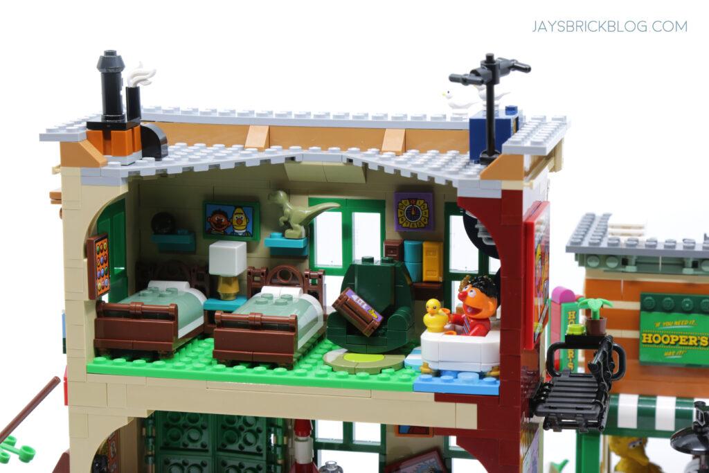 LEGO Sesame Street Bert and Ernie's Room