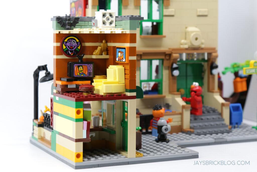 LEGO Sesame Street Cookie Monster's Room