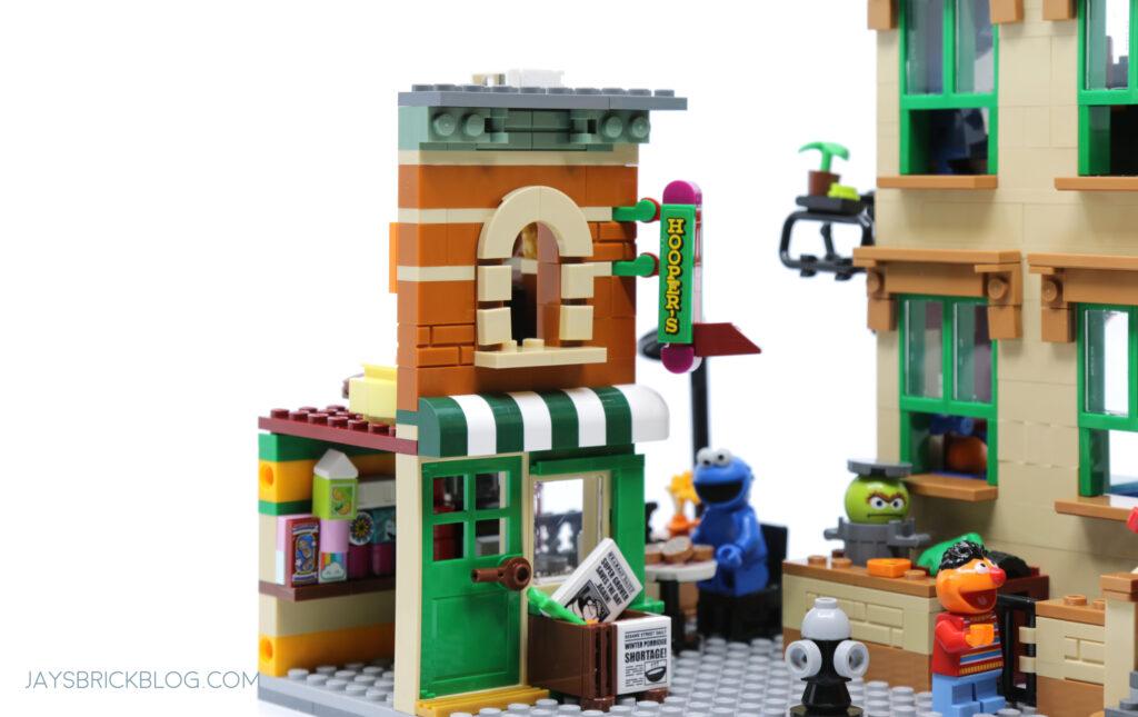 LEGO Sesame Street Hooper's Store