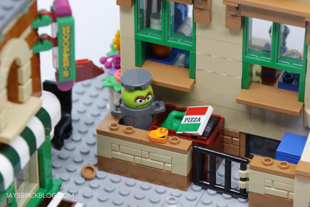 LEGO Sesame Street Oscar's Bin