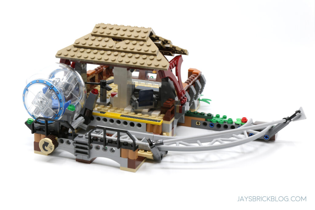 LEGO Gyrosphere Station Back