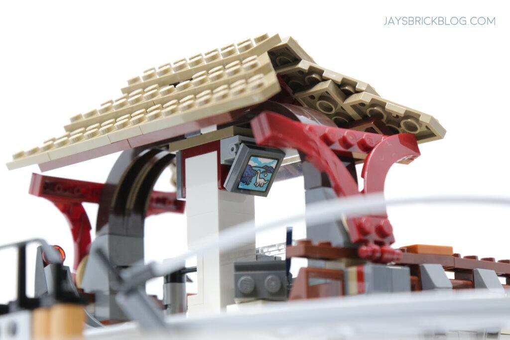 LEGO Gyrosphere Station TV
