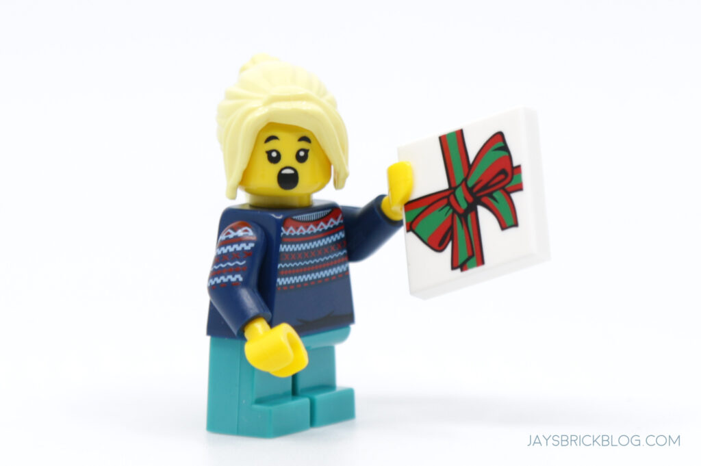 New Christmas Build a Minifigure Girl Blue Sweater