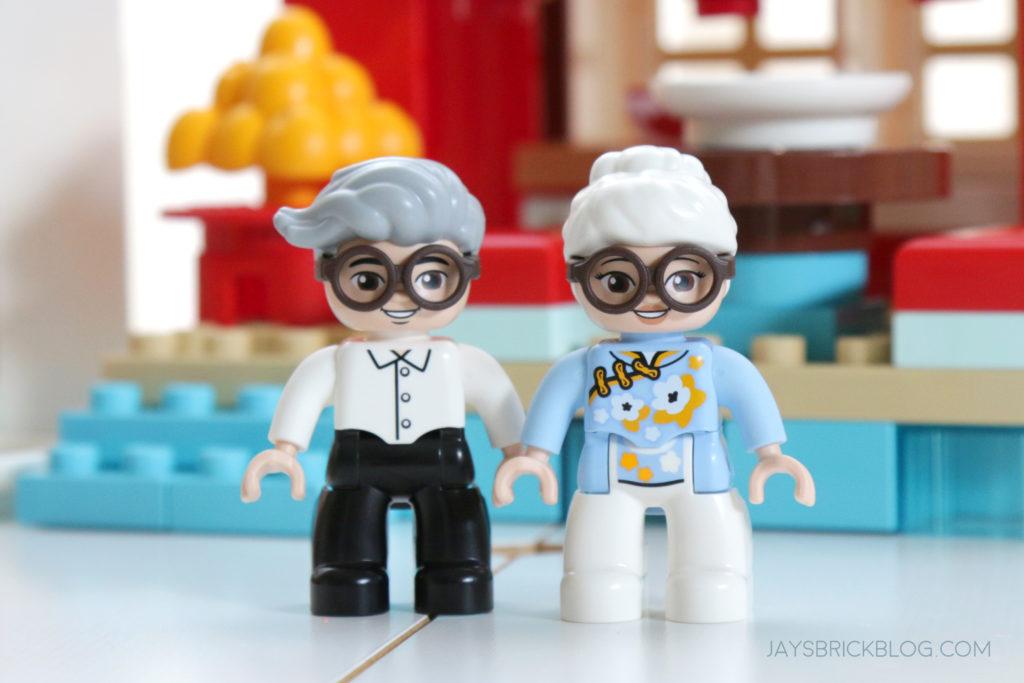 LEGO 10943 Duplo Happy Childhood Moments Grandmother Grandfather Duplo Figures
