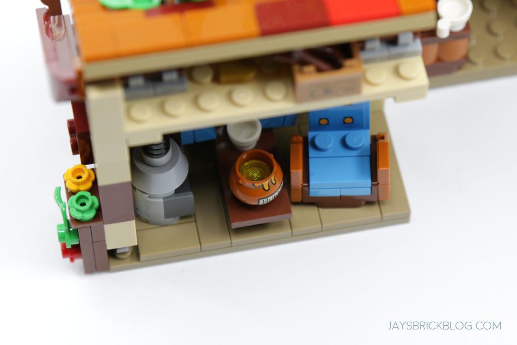 LEGO 21326 Winnie the Pooh Honey Pot