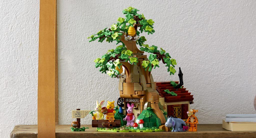 LEGO 21326 Winnie the Pooh Lifestyle Display 2