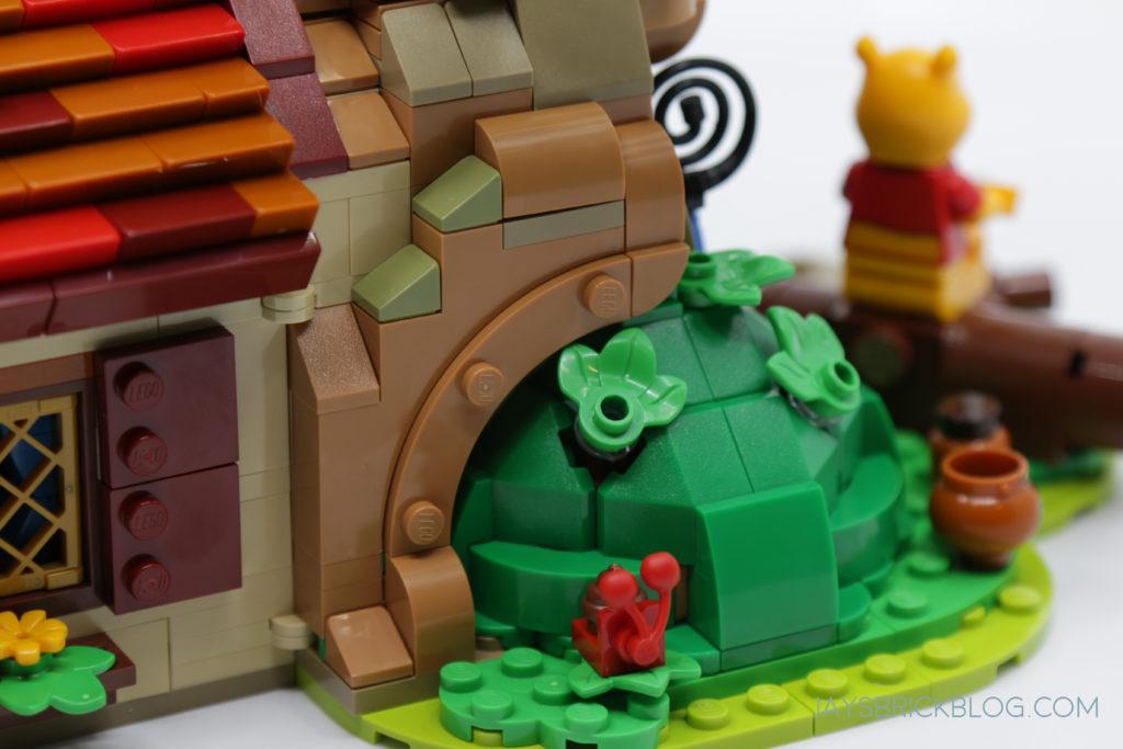LEGO 21326 Winnie the Pooh Mound