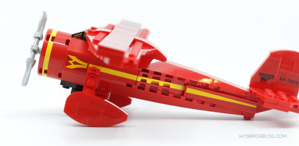 LEGO 40450 Amelia Earhart Tribute Side View