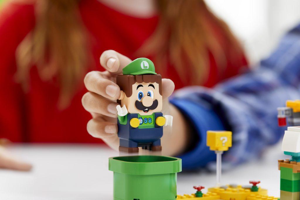LEGO 71387 Adventures with Luigi Starter Course Lifestyle 3