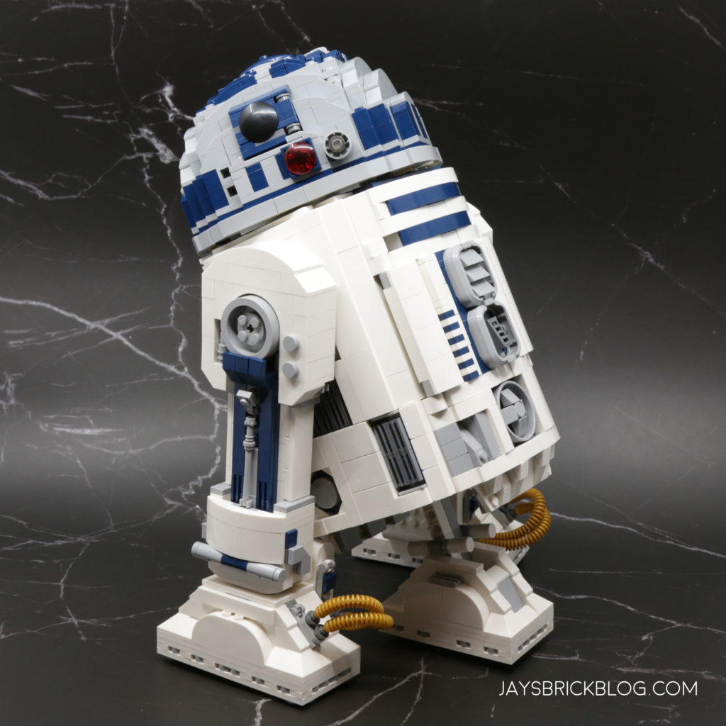 LEGO 75308 UCS R2 D2 Black Background
