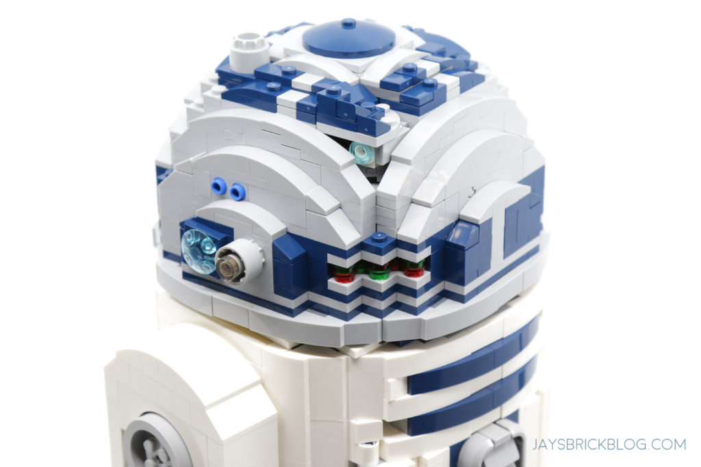 LEGO 75308 UCS R2 D2 Head Details