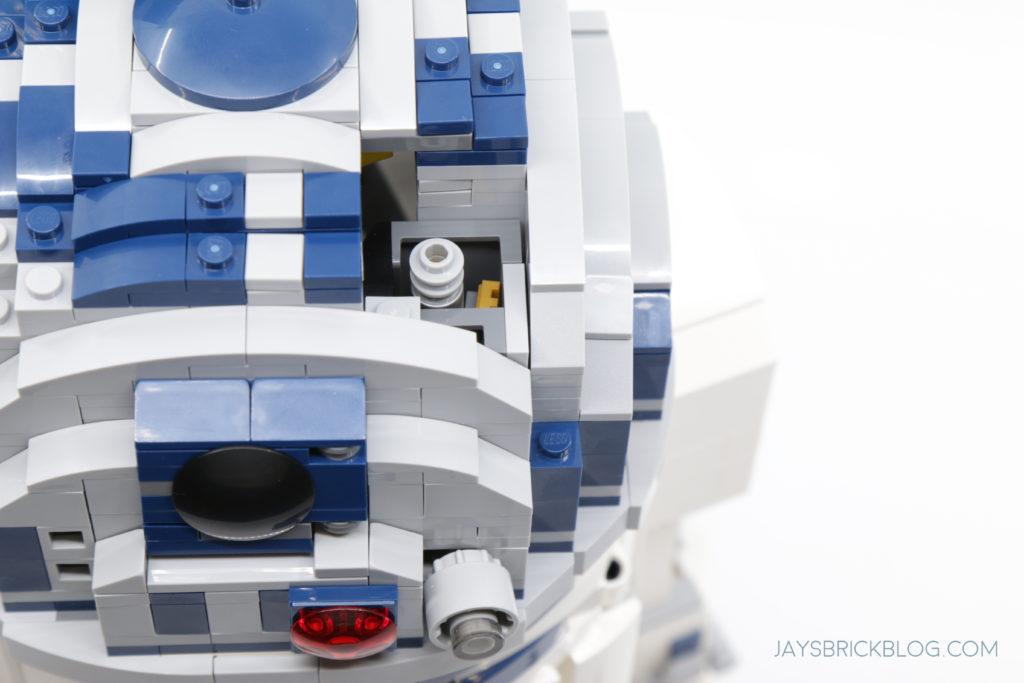 LEGO 75308 UCS R2 D2 Lightsaber Storage