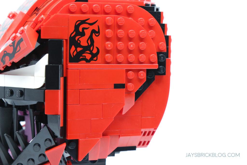 LEGO 76199 Carnage Side Angles