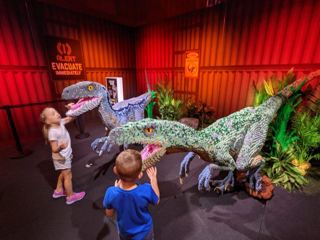 LEGO Jurassic World Brickman Raptors 2