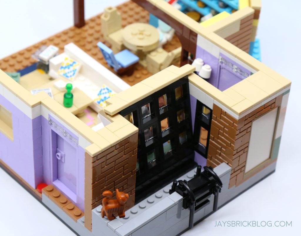 LEGO 10292 The Friends Apartments Balcony