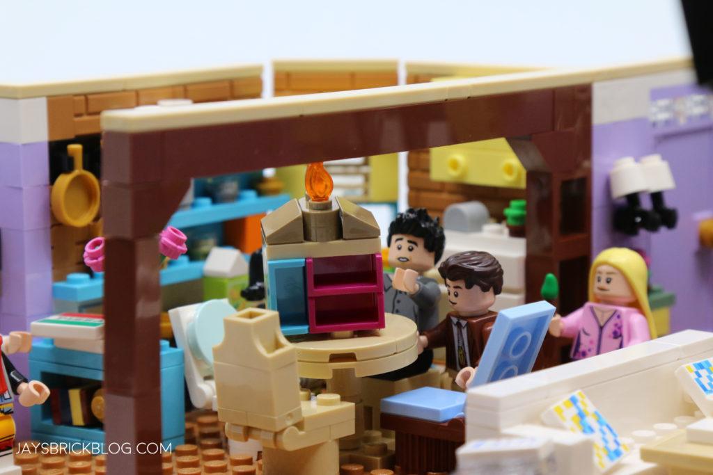 LEGO 10292 The Friends Apartments Burning Dollhouse