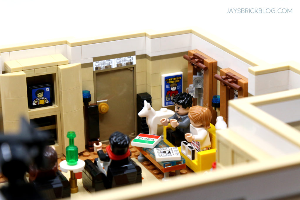 LEGO 10292 The Friends Apartments Couch