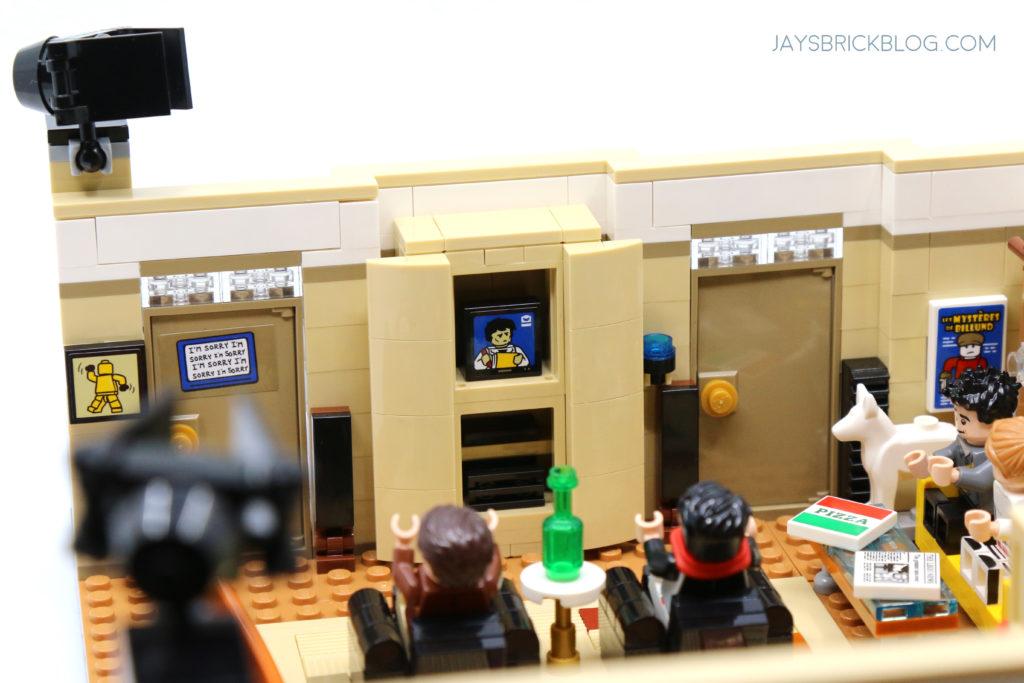 LEGO 10292 The Friends Apartments Entertainment Unit