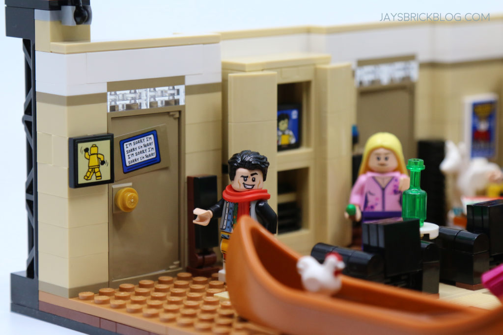 LEGO 10292 The Friends Apartments Joey in Clothes