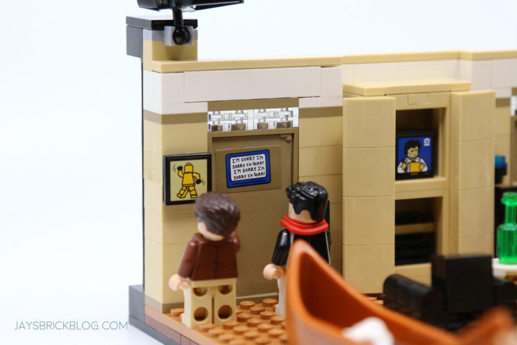 LEGO 10292 The Friends Apartments Joeys Room Door