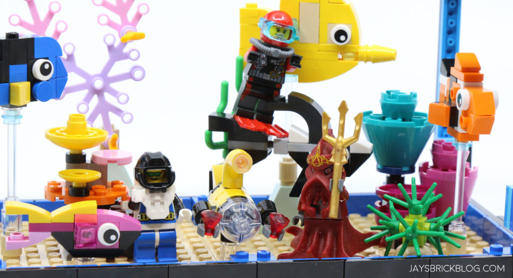 LEGO 31122 Fish Tank Aquarium Added Minifigures