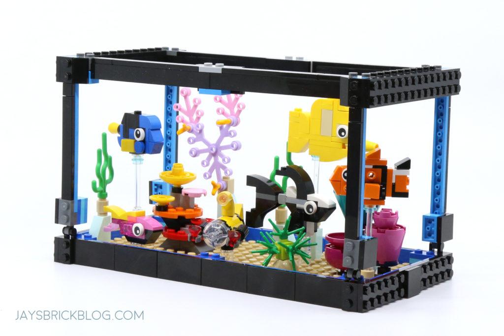 LEGO 31122 Fish Tank Aquarium Angled