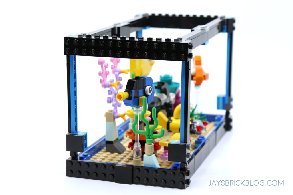 LEGO 31122 Fish Tank Aquarium Side View