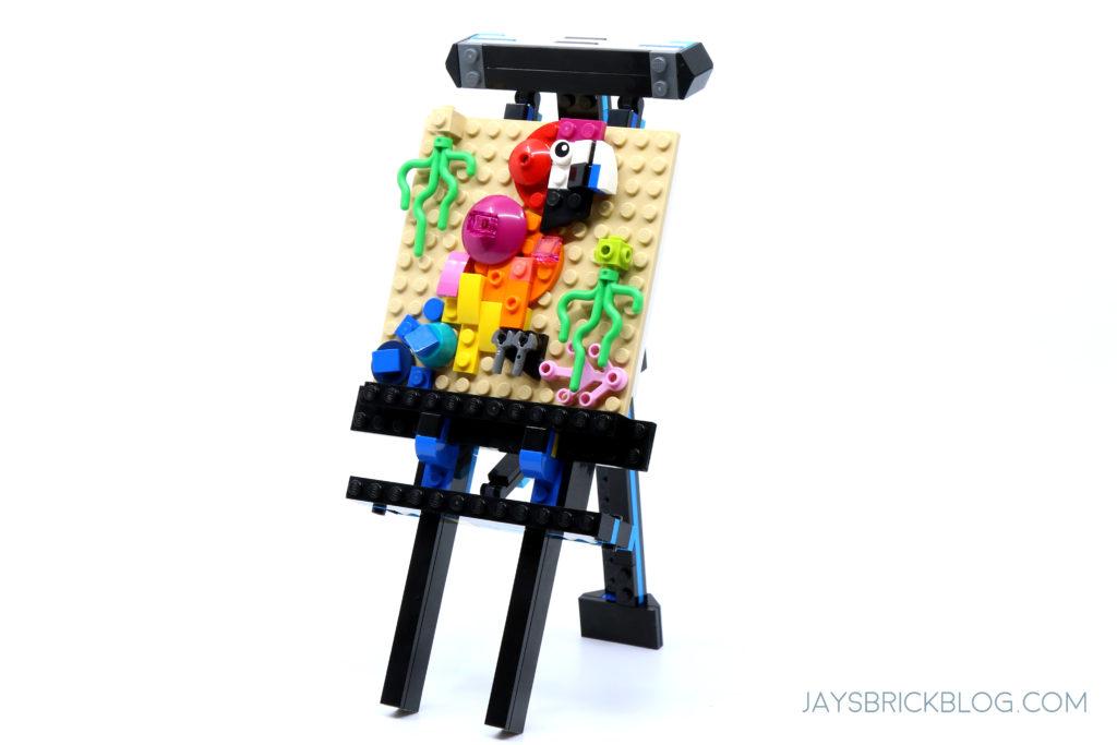 LEGO 31122 Fish Tank Easel Model