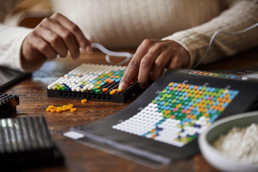 LEGO 31203 World Map Lifestyle 4