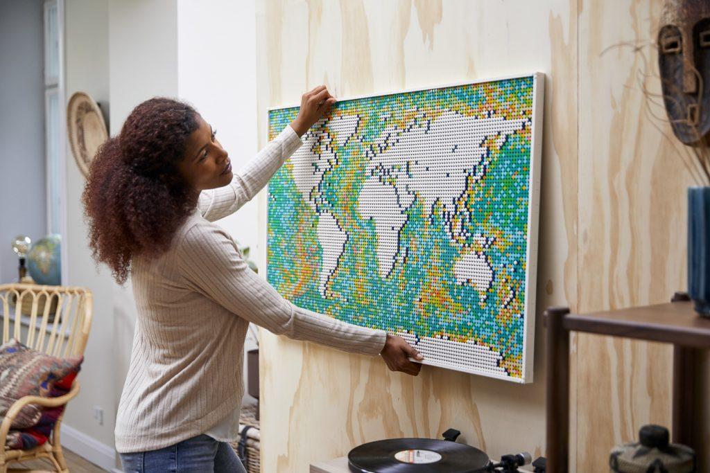 LEGO 31203 World Map Lifestyle 9