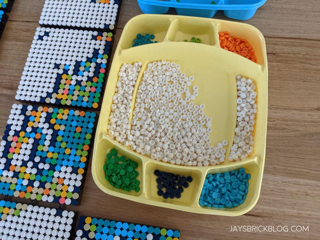 LEGO 31203 World Map Sorting Tray Dots 2