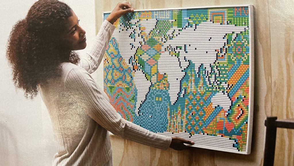 LEGO World Map Customisation