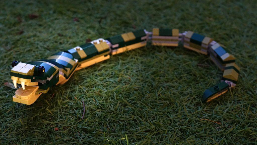 LEGO 31121 Crocodile Snake on Grass